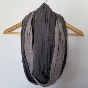 🌟 FREE with Purchase 🌟 Reitman's Infinity Scarf